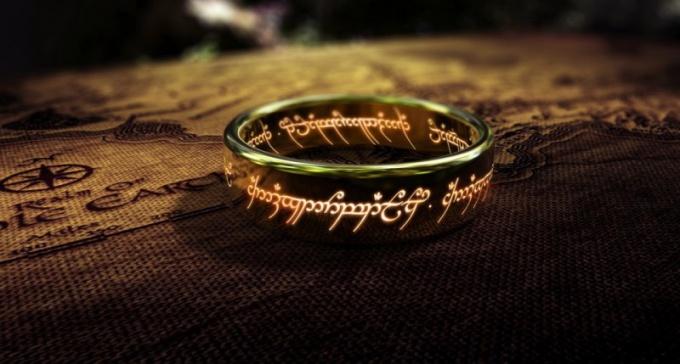 """Что было написано на кольце из фильма """"Властелин колец"""