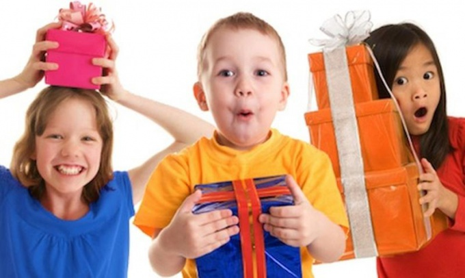 What to give a child of three years on birthday