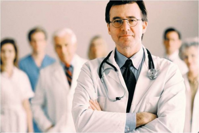 How to understand to what doctor to address