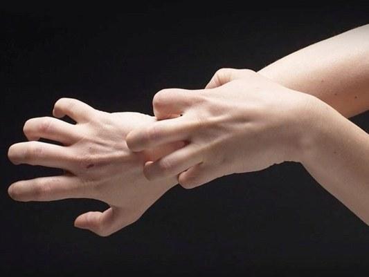 Отчего чешутся руки