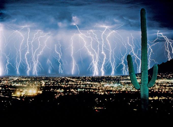 Молнии в штате Аризона, США