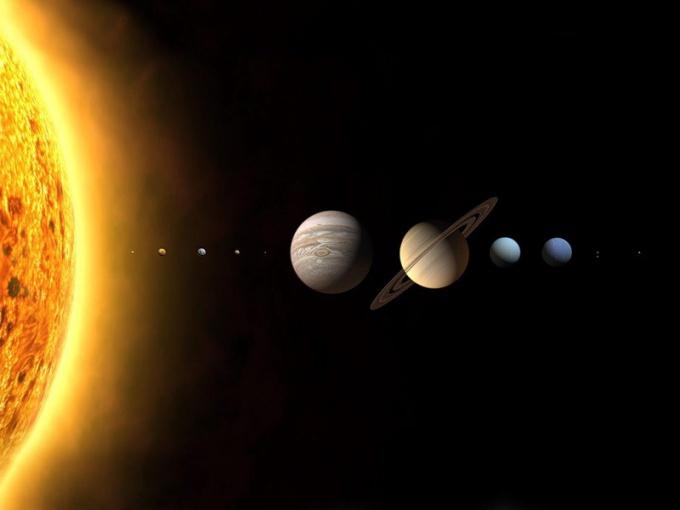 Как течет время в космосе