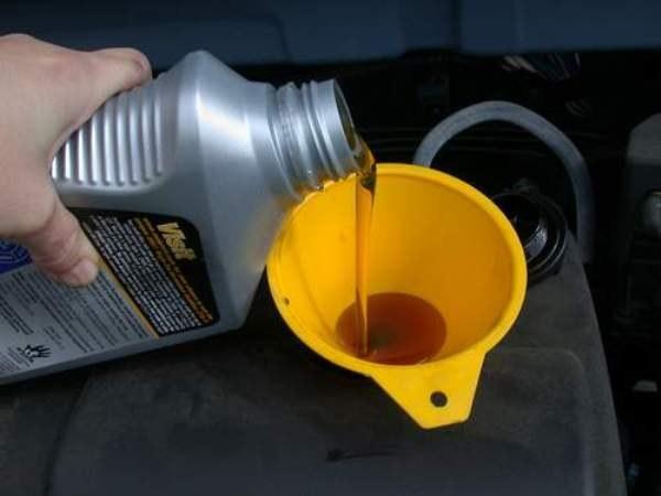 Какое масло лучше залить в ВАЗ 2109