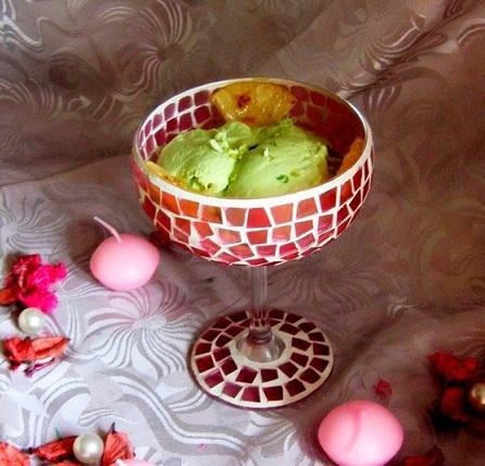 Мороженое из авокадо с жареным ананасом