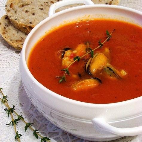 Томатный суп-пюре с мидиями