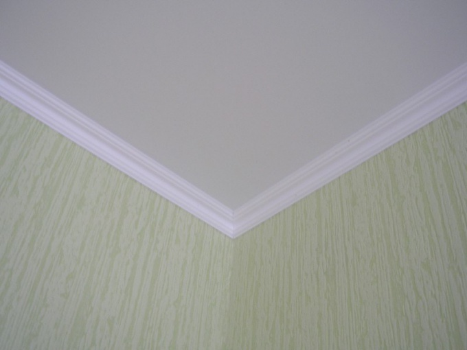 What glue foam ceiling skirting
