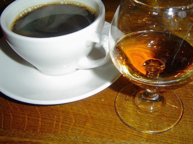 Как приготовить чай с коньяком