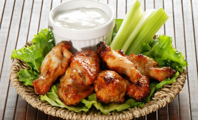 The secret of crispy chicken wings in their marinade