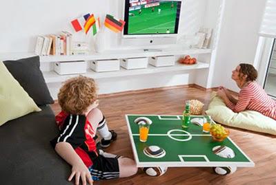Журнальный столик для юного футболиста
