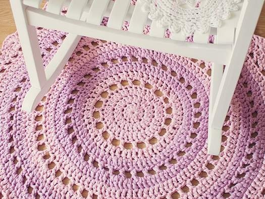 Как связать коврик из трикотажных полосок