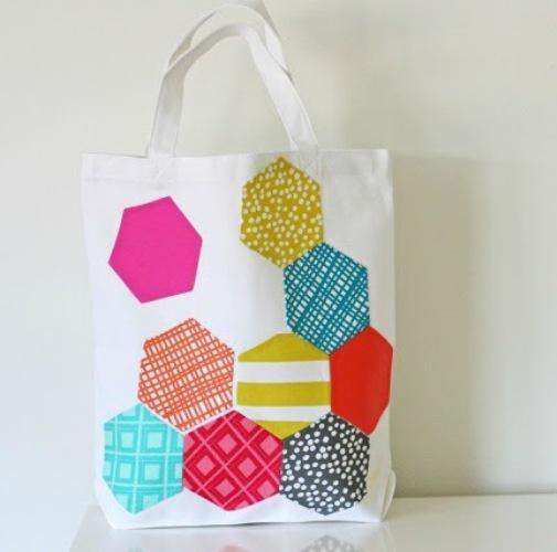 Как украсить тканевую сумку