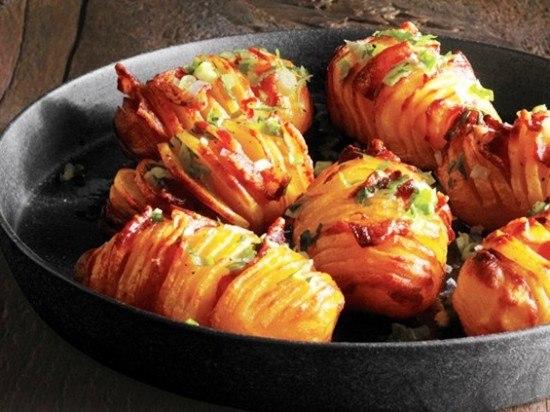 Как запекать картошку с беконом