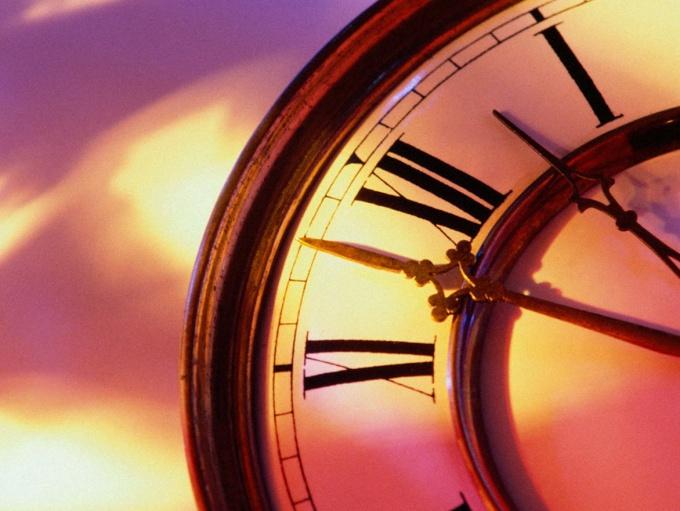 Как установить точное время на часах со стрелками
