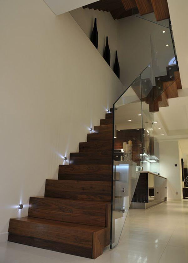 Подсветка лестницы в интерьере