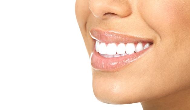 Отбеливание зубов у стоматолога и цена