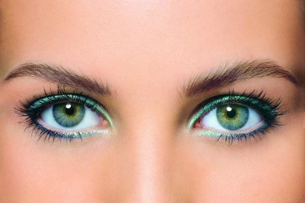 Как сделать глаза больше с помощью теней 227
