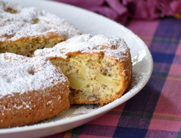Как приготовить яблочный пирог с арахисом