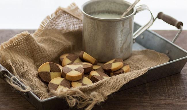 Как приготовить прекрасное печенье 2-х цветов