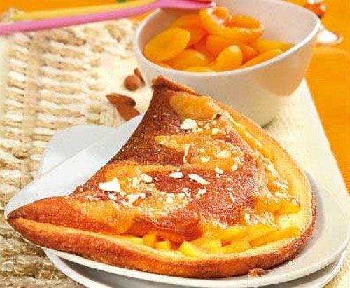 Сладкий омлет с абрикосами