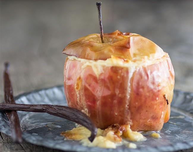 Как запечь яблоки с рисом в духовке