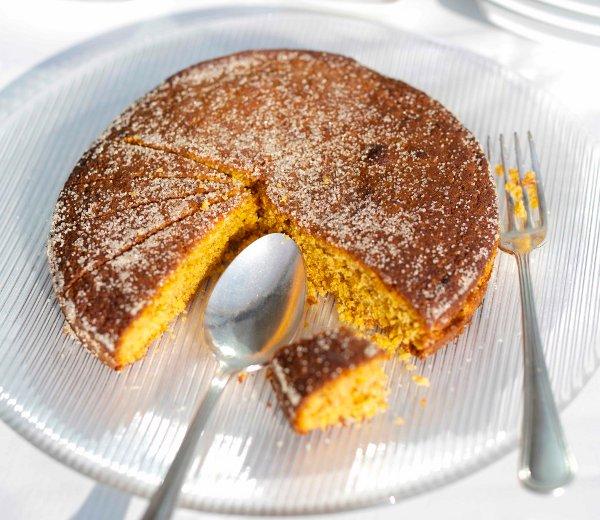 Печем ореховый пирог с кукурузной мукой