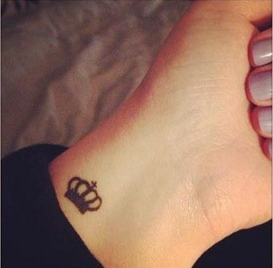 Что означает татуировка-корона
