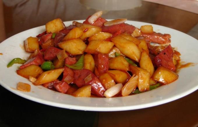 Как приготовить мясо с картошкой