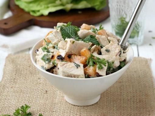 Пикантные салаты из шампиньонов и курицы