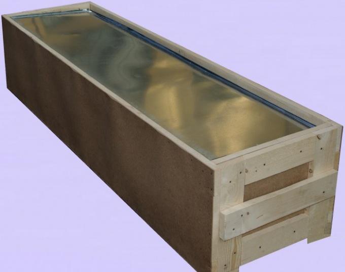 Цинковый гроб в деревянной обрешетке
