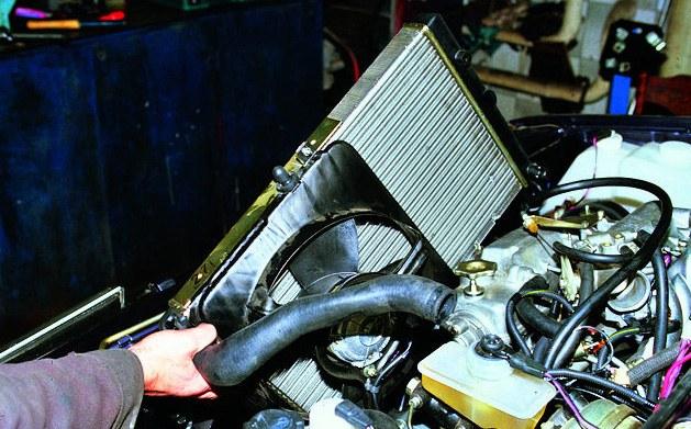 Система охлаждения позволяет двигателю стабильно работать