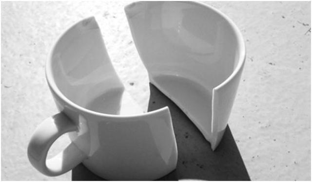 Как склеить разбитую посуду