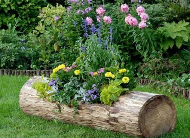 Как сделать оригинальный декор для сада из ненужных вещей