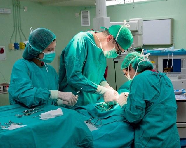 Как делать операцию при переломе шейки бедра