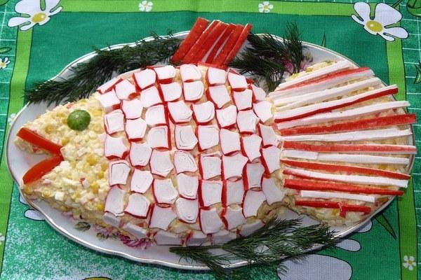 Салат «Золотая рыбка» с крабовыми палочками