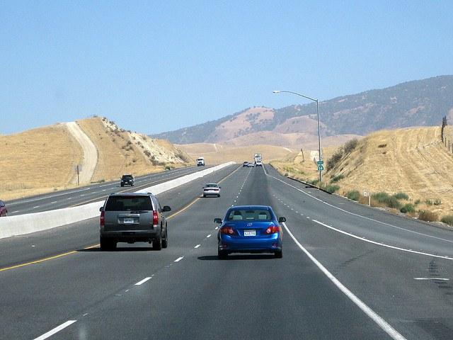 Аудиокниги можно с удовольствием слушать в дороге