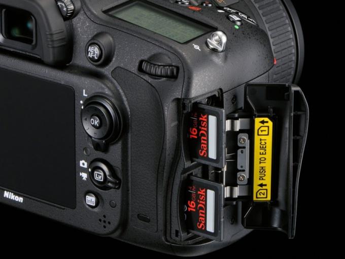 Почему фотоаппарат не читает карту памяти
