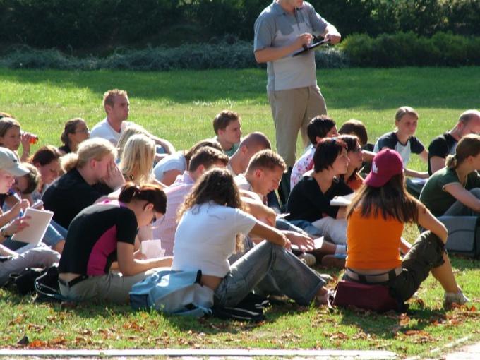 Как проходит студенческая жизнь американских подростков