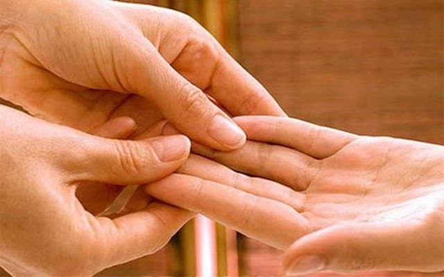Как бороться с судорогами в руках