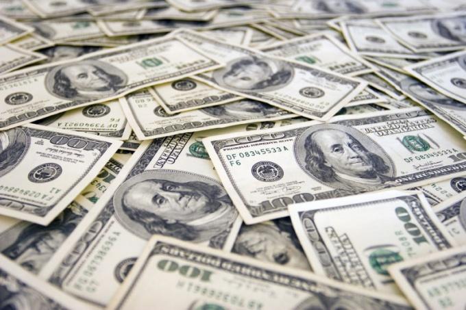 Счет в одном из банков США открывает новые возможности