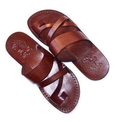 Какие бывают кожаные сандалии