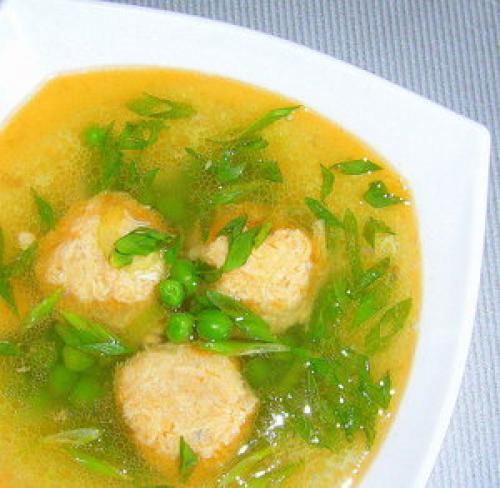 Гороховый суп с красной рыбой
