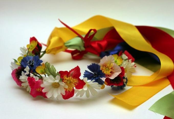 How to make Ukrainian wreath