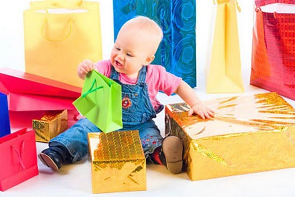 What to give to a boy for 1 year
