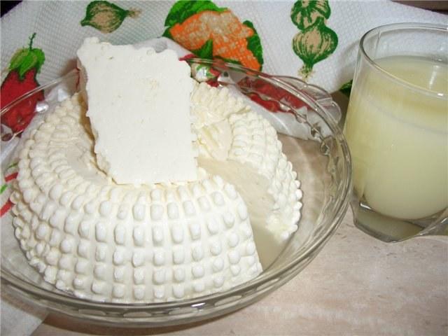 Как приготовить брынзу в домашних условиях из коровьего молока