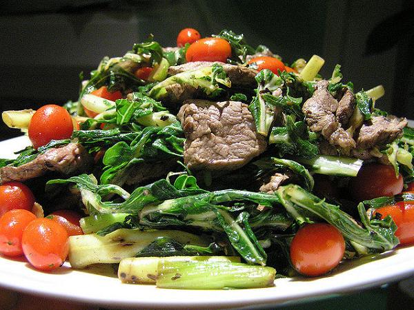 Как приготовить салат с говядиной