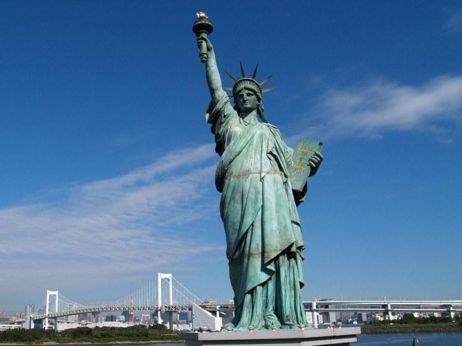 Статуя Свободы вполне могла бы стать символом либерализма