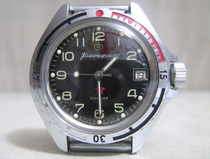 Командирские часы обычно бывают механическими