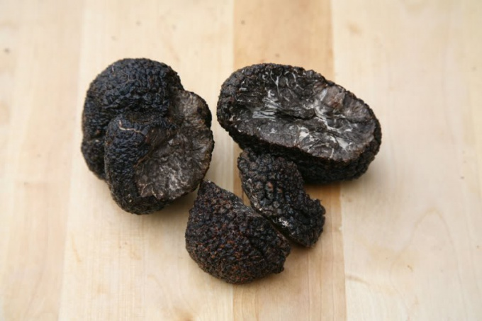 Знаменитые деликатесы: грибы трюфели