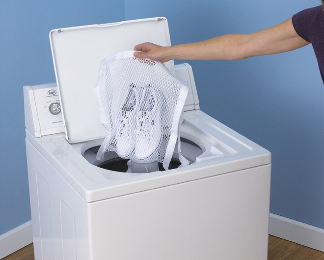 How to wash sneakers in the washing machine