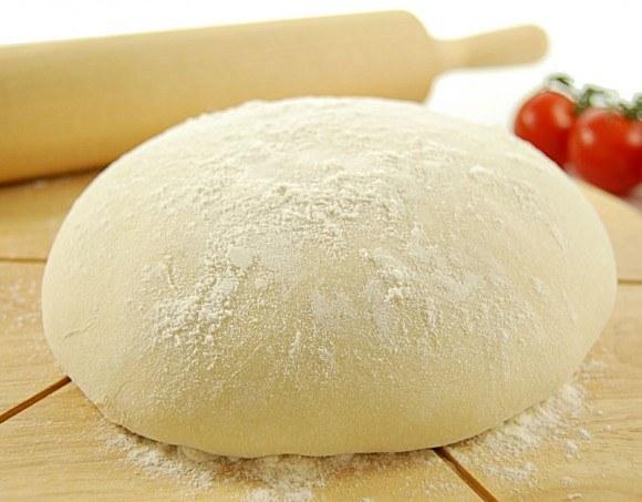 Почему нельзя есть сырое тесто